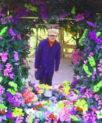 花祭りの花飾り越してらぴか